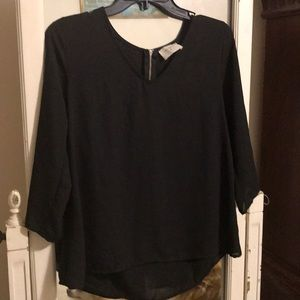 Everly  Black Blouse Zipper back Size Small